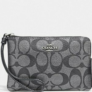 ❗NEW WITH TAGS ❗● COACH WRISTLET ♥️❣